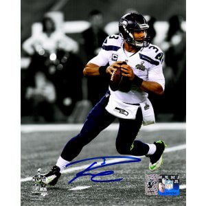 Russell Wilson Signed Seattle Seahawks SB XLVIII Spotlight Action 8×10 Photo